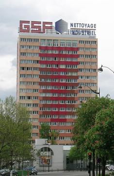 Façade principale de la Tour avant réhabilitation. Photo: agence Lacaton & Vassal