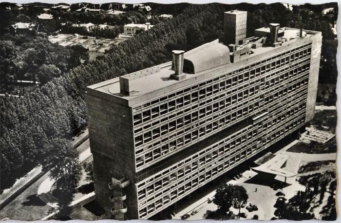 La Cité Radieuse sur une carte-postale d'époque