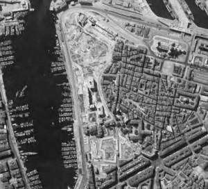 La partie Nord du Vieux-Port de Marseille, entièrement rasée. © IGN, 1950